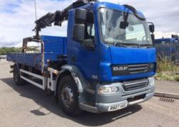 Photography of 2007 07 DAF LF55.250 DROP SIDE BODY FRONT MOUNTED CRANE EURO 4